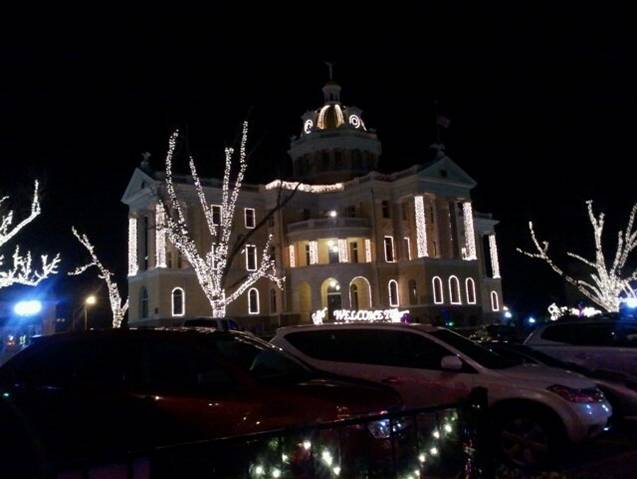 Marshall, TX Courthouse Square - Christmas Time